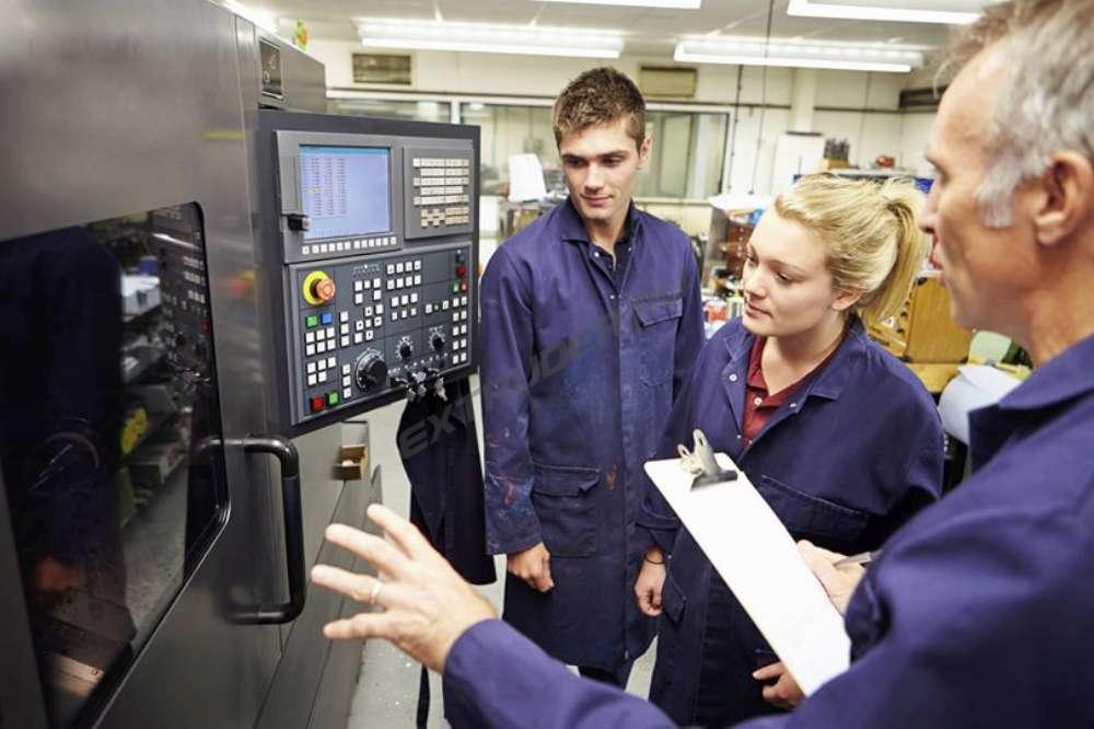 Настройка параметров робота вклейки стеклопакета на силикон