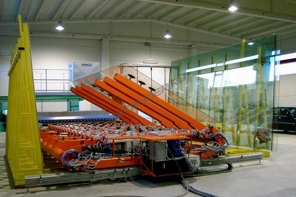 Inbetriebnahme der Glasbeschickung GFPM
